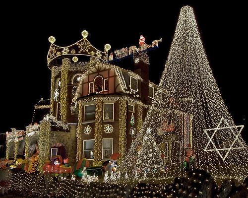 im sure the local power plant workers drive by this house knowing that its energy usage will pay for their christmas bonus