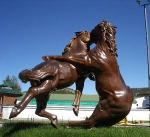 Of course, things can get very complicated between horses but man do they look pretty dramatic kissing each other?