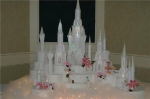On second thought, this cake has made one of the most iconic castles in Disney movies look like one of most terrifying places on earth. Seriously, it makes me wonder why Cinderella would want to marry the Prince and move in to such a place.