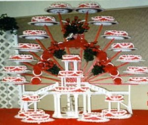 Lord knows how many guests attended this occasion as well as how much was spent on doing this cake alone. Still, it's pretty tacky if you ask me.