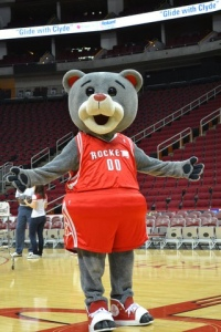 Aww, Clutch the Bear is so cute that I want to hug him and squeeze him and keep him forever and ever. Hey, wait a minute, a basketball mascot shouldn't resemble a stuffed animal you'd give a baby to. What am I thinking?