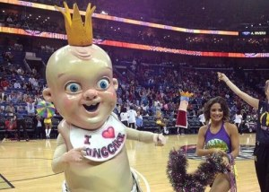 Of course, this mascot is perhaps the last thing you'd want at any baby shower, especially if you're the pregnant guest of honor. Seriously, he's basically what would happen if Big Boy and Chucky got together. Of courses, I may owe Pierre the Pelican an apology.