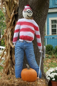 Of course, a scarecrow of Waldo isn't really that hard to spot. Still, it's pretty funny.