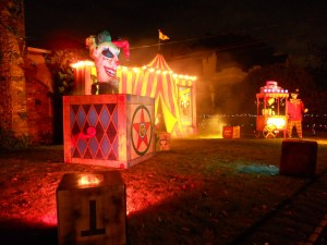 Now there is such a thing as being too scary. This horrific display may traumatize little kids and not want to make them see a circus in their lives.
