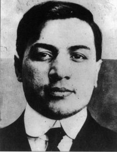 Yes, that's Frankie Yale. Despite the Ivy League sounding name, he's actually was an Italian born gangster who didn't go to college. Still, he and Al Capone were good friends, for a while.