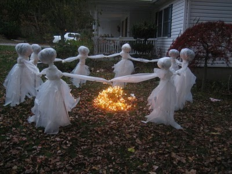 Now this isn t just spooky but also rather eco friendly  simple. Halloween Decorating Do s and Don ts   The Lone Girl in a Crowd