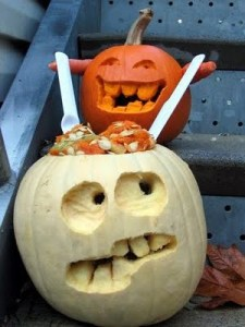 Of course, having his orange friend feasting on his innards won't go so well for the white pumpkin. Still, this is just sick and very disturbingly cannibalistic.