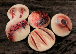 Don't worry, these are just cupcakes, not bits of human flesh. If so, that would be cannibalism. Still, enough to make you puke, eh?