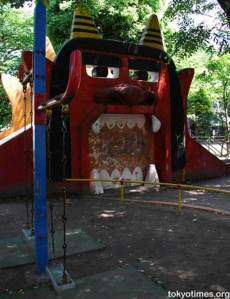 Now why would anyone think about using the Prince of Darkness as a mouth for a playground piece? Oh, I forget this is an Oni from Japan since it says Tokyo Times on the corner. Still, Oni and demons tend to look very similar.