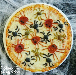 Now you have admire how this person used veggies and pepperoni to create a spider infestation here.