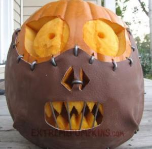"Now I'm sure using Silence of the Lambs isn't an appropriate subject for pumpkin carvings. This is especially true when its a carving of a guy who said, ""I ate his liver with a fine chianti and some fava beans."" Then again, Buffalo Bill would be a worse choice."