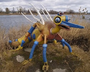 Now this playground piece was perhaps created by someone on acid or too much vodka. Either that, or it's a bird that's simply out of its world. Still, very freaky and unlike anything that I ever saw to say the least.