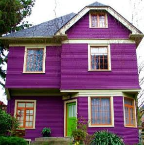 Now I really like purple. In fact, it's my favorite color. But I don't know what to think about Dracula's taste in exterior decorating.