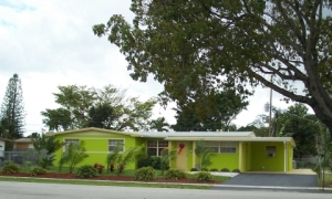 Remember, kids, friends don't let friends paint their houses in lime green even in Florida. That goes the same way with most of the houses painted in the outfit colors of Florida residents over 65, especially in Boca Raton.