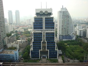 "This is a building from Bangkok and yes, it does resemble a giant robot who wants to ""kill the humans."" Still, it would've been rather appropriate for a tech company in Silicon Valley or Japan."