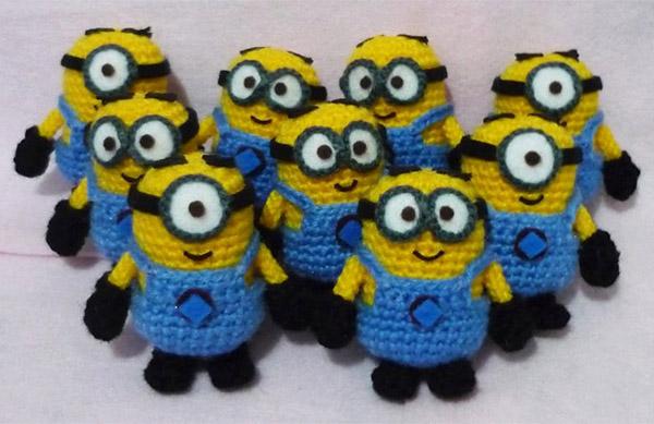 Minions Amigurumi Llavero : Knit and crochet the lone girl in a crowd