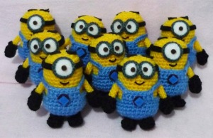 Of course, minions are a very popular craft subject in a lot of forms. Perhaps it's because they're so cute an very easy to make.