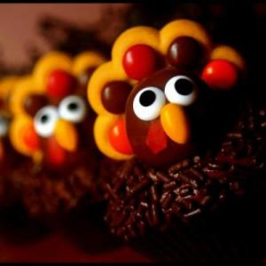 Now these sugary turkeys are cute enough to eat. Still, by how they're photographed, they sure don't seem friendly to me.