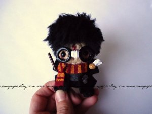 Of course, everyone would prefer that I put up a picture of some amigurumi Snape, Hagrid, or Dumbledore since everyone seems to like them better in addition to Ron and Hermione.