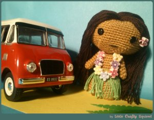 Of course, I'm sure this is probably the only thing made of wool a young girl in Hawaii would probably have considering the state's climate and all. Still, she's simply adorable beside the old style bus I believe.