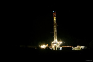 This is what a typical natural gas drilling site under fracking operations looks like at night. Now such operations go on 24/7 until completion so that means locals have to deal with blaring bright lights and noise all through the night.