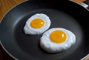 Of course, you wouldn't want these eggs for breakfast. Yet, they're on the skillet anyway for display purposes.