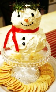 I don't know about you, but this snowman seems to remind me of a Roman emperor. Maybe it's the wreath.