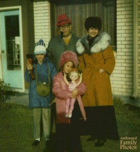 Holy shit, that's Stephen King with his family. Certainly explains a lot there. Nevertheless, hope he's not writing The Shining at this point.