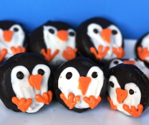 Maybe penguins have nothing to do with Christmas, but hey, I'll eat one of these. Also, who can't resist penguins?
