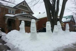 Of course, we know how these Moai came to this neighborhood. And I'm sure people on Easter Island can't make their own Moai from snow because they don't get any.