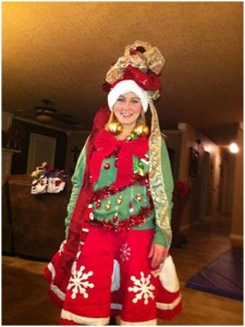 Of course, while this is certainly a festive outfit, I'm sure that it's one of the most atrocious Christmas costumes I've seen so far. Seems like this woman spared no expense whatsoever.