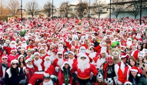 Another odd US Christmas tradition that has really taken off is SantaCon, which is a time when people dress up as Santa, elves, and reindeer, sing Christmas songs, and go on bar crawls.
