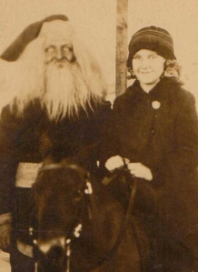 "From Neatorama: ""This Mr. Claus looks so cold and lifeless that I can't help but wonder if they just let all the youngsters take their Santa photos with a dead Kris Kringle. Whatever the story behind this picture, the end result is horrifying."""