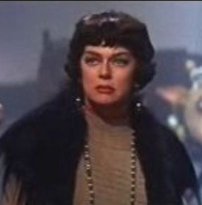 Rosalind_Russell_in_Gypsy_trailer