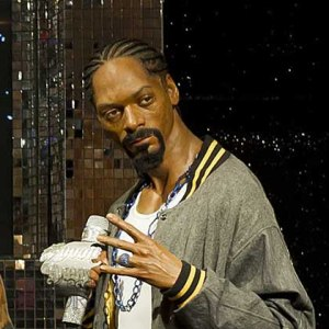 You'd think Snoop would be taking better care of himself now that he has millions of dollars. Yet, this waxwork makes him seem like he's emaciated for some tasty human flesh. I mean, that face sure don't look right at all.
