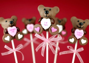Of course, where would we be without teddy bears on Valentine's Day (or chocolate for that matter)? Still, these bears look so good enough to eat.