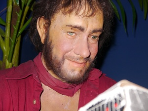 This is supposed to be him from Castaway. Looks more like a young Russell Crowe after a drunken bar fight. Seriously, how in the hell can it be Tom Hanks?