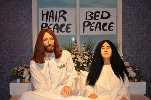 Despite the bed in protest honeymoon, looks like John and Yoko are already experiencing problems in their relationship. Doesn't seem like they're giving peace a chance here.