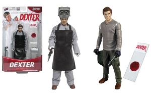The left one is Dexter Kill Suit which comes with apron, scrubs, hand saw, and welder's mask. The right Bif Bang Pow! Dexter comes with a blood slide, knife, and trash bag. Plastic wrap, victim, and other kill room accessories not included.