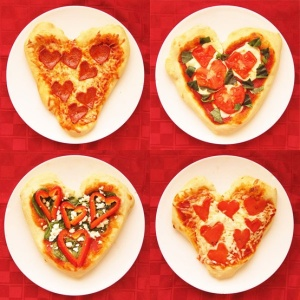 Notice that all these pizzas have red hearts on them whether they be pepperoni, pepper, or tomato. Nevertheless, there are a lot of variations here.
