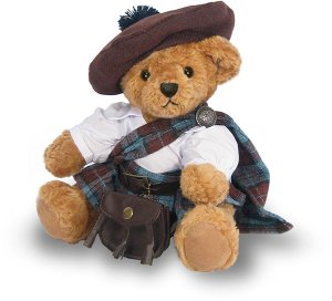 Of course, this adorable Highlander Bear doesn't come with bagpipes but I really don't care since they're annoying instruments anyway. Still, you have to love his little kilt and tam.