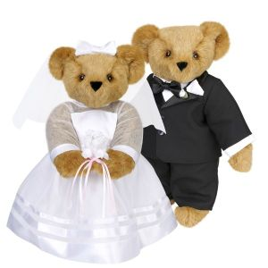 I see a lot of wedding bears from the internet. Maybe it's because weddings are popular occasions for giving these things. Nevertheless, they do make a cute couple don't you think?