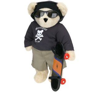 However, unlike most BMX bears, he's not wearing a helmet on top of his hoodie which isn't a great idea. Still, he seems quite classy in his skull and crossbones shirt, cargo shorts, and sunglasses.