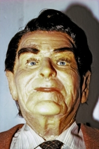 Yes, old President Ronnie seems to have two really creepy waxworks in his image. This seems like it comes straight out of shining. Now please, Mr. Gorbachev, tear down this wall or else Mr. Reagan will come over to your house and murder you and your family in a bloodbath only comparable to a slasher horror movie.