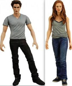 Believe me, these action figures are basically full of as much chemistry, passion, facial expressions, and acting ability that is contained in the whole Twilight series altogether. Just ask my sister.