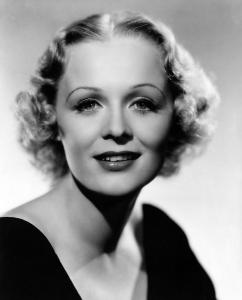Gloria Stuart was a 1930s actress who starred in a variety of films before abandoning her film career in the next decade and returning nearly 30 years later. Like her iconic role as Old Rose, she also lived to 100, though she was 87 when she played her.