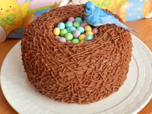 Now that's a big nest for so many little pastel peanut M&M eggs. Also, I don't think you can eat the bird.