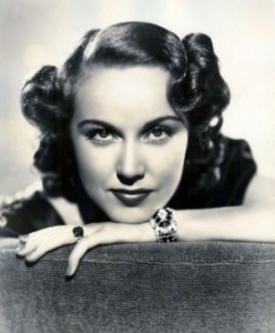 Though best known for playing a blonde scream queen taken to the Empire State Building in King Kong, Fay Wray was actually a brunette who wore a wig during the filming. Also was a Canadian and Mormon.