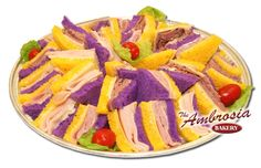 These can range with salami and bolongna but I'm not sure if they're from Oscar Meyer. They also have bread dyed purple and yellow without crusts as far as I can see.