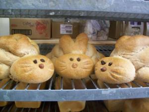Now I'm sure they may not be cute buns but they're certainly adorable. That is until they actually get sliced and eaten.
